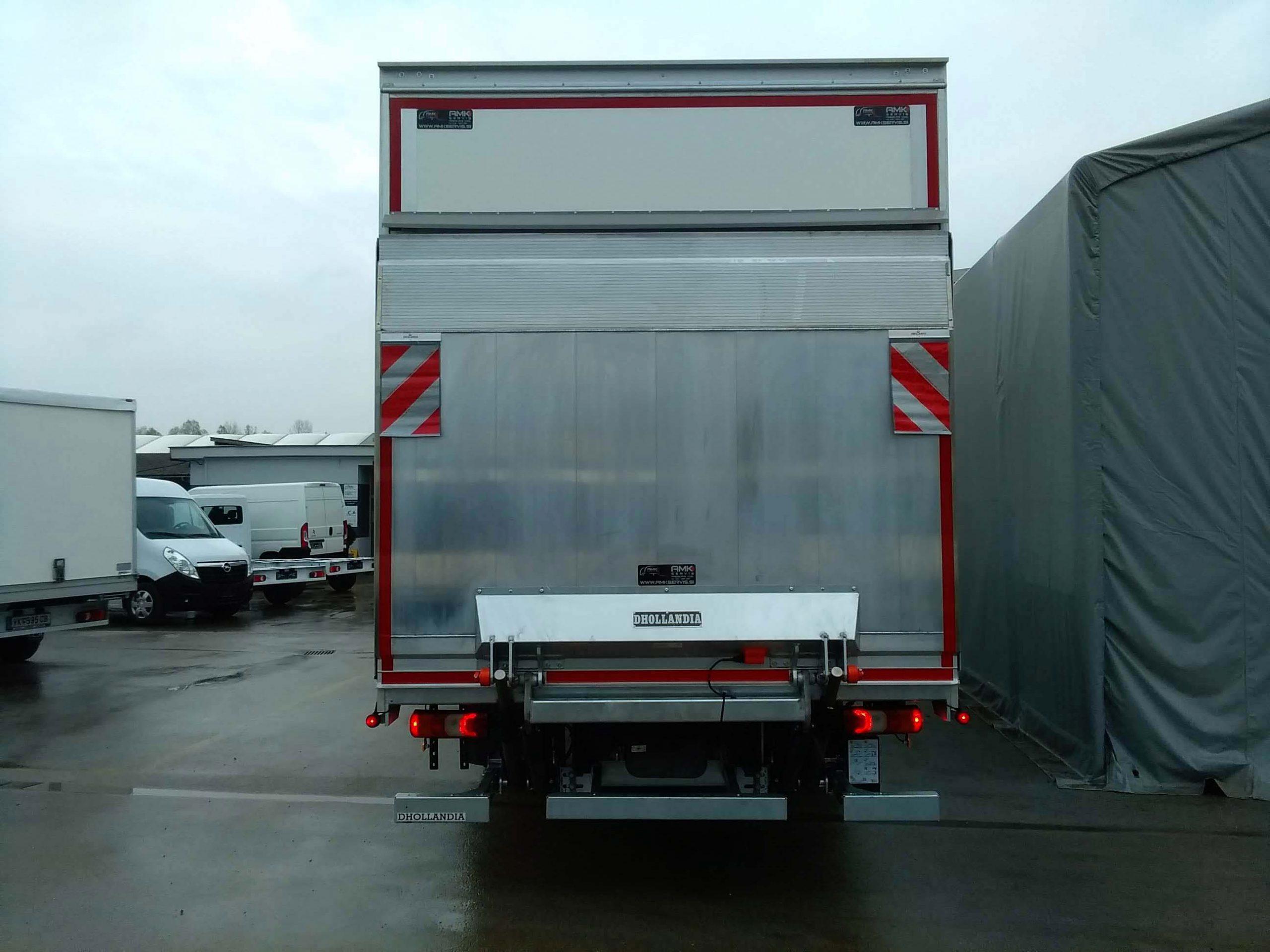 Aluminijasta nakladalna ploščad za večja gospodarska vozila